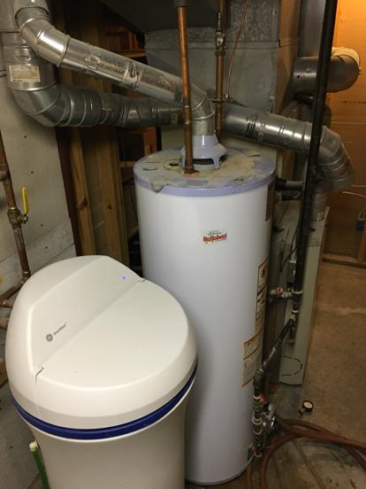 leaking water heater in kansas city Missouri 64155