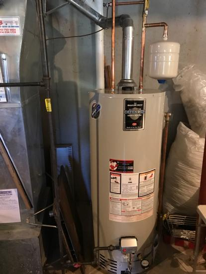 Water heater with expansion tank