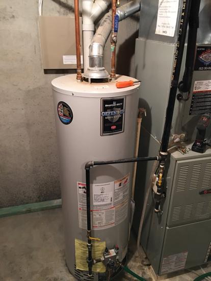 Leaking water heater in Olathe